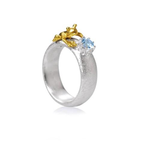 Drachernfels Ring Frosch mit Topas blau Silber goldplattiert D FR 132 Drachenfels Design Froschkönig