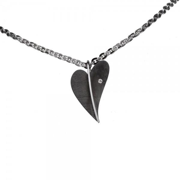Ernstes Design Anhänger, Herz Edelstahl schwarz beschichtet mit Diamant ohne Kette, AN411