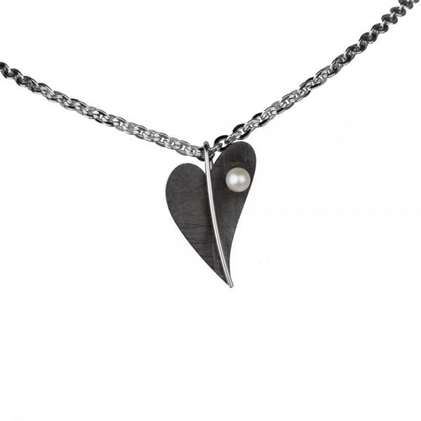 Ernstes Design, Herz Anhänger Edelstahl schwarz mit Süßwasser Perle ohne Kette, AN409